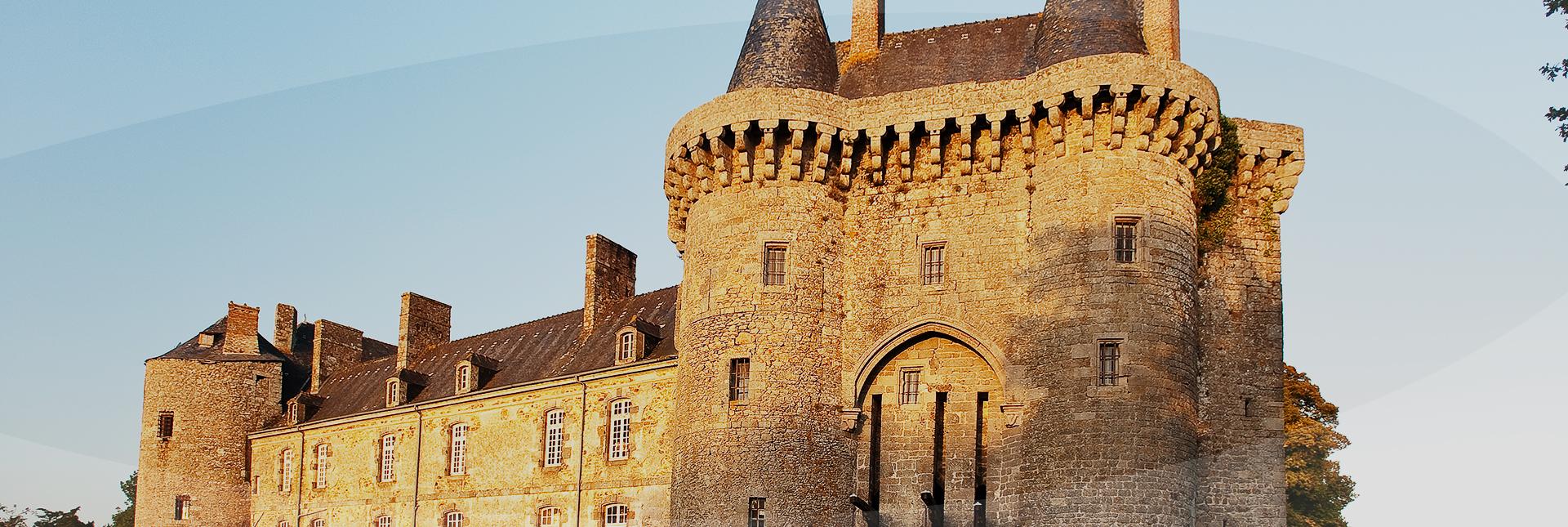 Montmuran chateau en Bretagne romantique