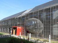 Vue extérieure du siège de la Communauté de communes Bretagne romantique à la Chapelle-aux-Filtzméens