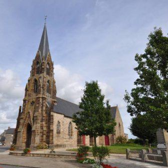 église st-martin-st-samson à cuguen en bretagne romantique