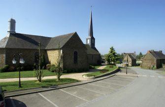 église St-Etienne à Pleugueneuc en bretagne romantique