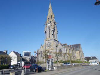 église de meillac en bretagne romantique